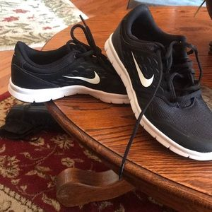 BRAND NEW nike shoes!
